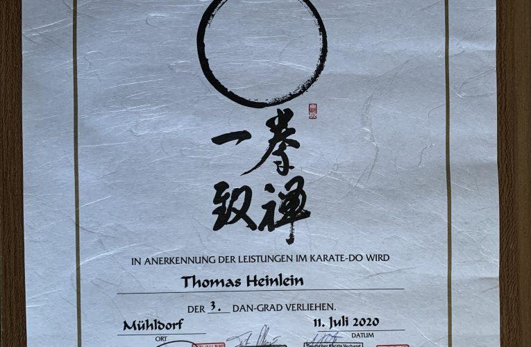 Geschafft – die erfolgreiche Prüfung zum 3. Dan im Karate